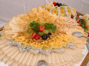 také něco pro hladové svatební žaludky :)