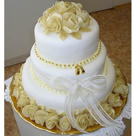 """Môj deň  """"D"""" - tortička isto bude do zlatej ladena"""