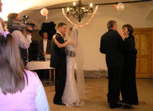majka{{_AND_}}Marcelko - prvý manželský tanec