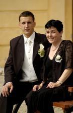 mužíček s mamkou