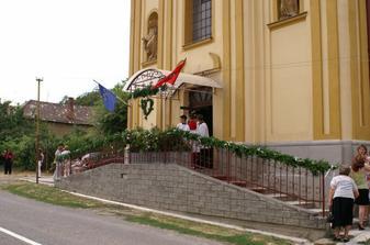 Kúsok z výzdoby kostola