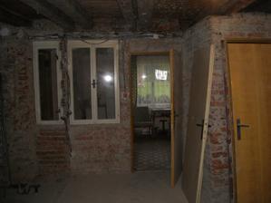 27.4.2012 zeď s okýnkama zbouraná