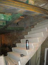 A otvor na nové schodiště
