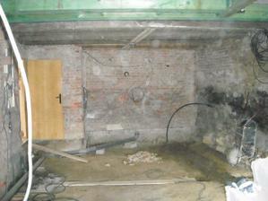 a dole - pořád staveniště :-(