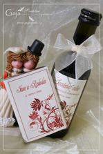 Svatební víno nesmí chybět...