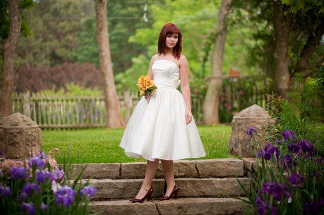 Moje retro svatba v krátkých šatech:-) - Obrázek č. 8