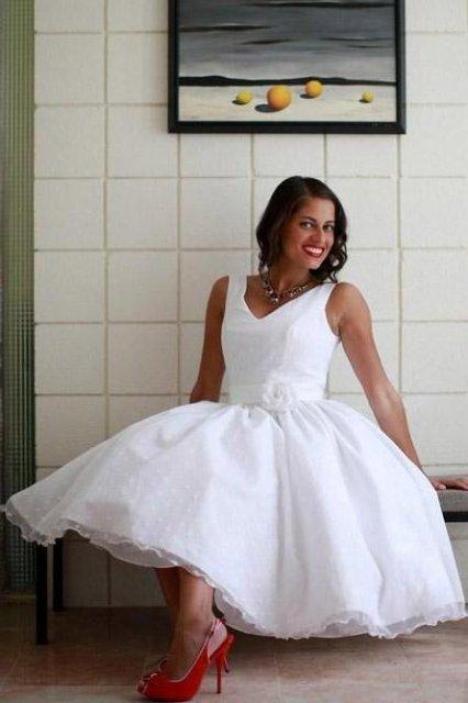 Moje retro svatba v krátkých šatech:-) - Obrázek č. 27
