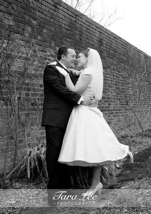 Moje retro svatba v krátkých šatech:-) - takovou fotečku chci taky, dokonalost!!