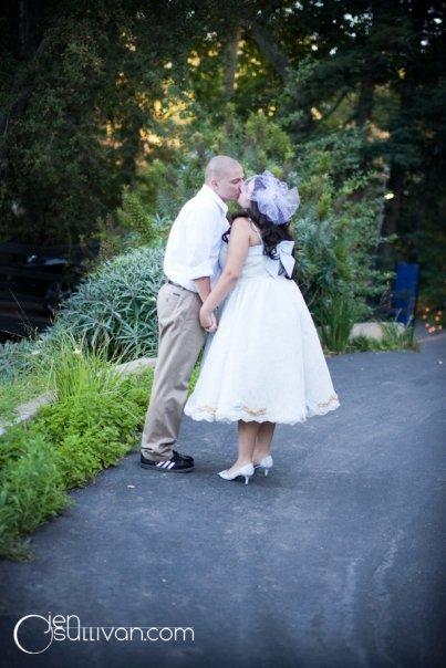 Moje retro svatba v krátkých šatech:-) - ženich možná nakonec bude bez obleku...