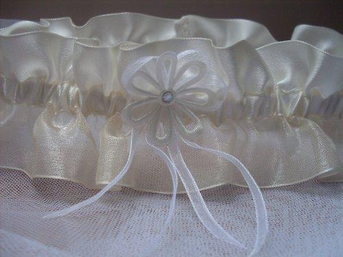 Moje retro svatba v krátkých šatech:-) - Podvazek z Fleru :-)