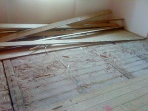 vytrhavaju nam podlahy