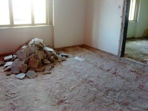 vytrhane podlahy