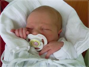 dalším nejkrásnější dnem 9.2.2011 kdy se nám narodila Sofinka
