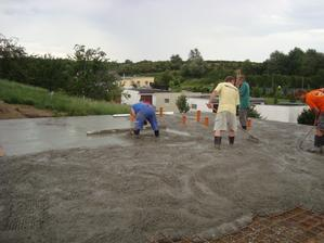 Všude v okolí pršelo, nám počasí dopřálo desku udělat:)