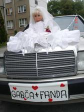 Takhle krásně nám naši přátelé nazdobili své auto