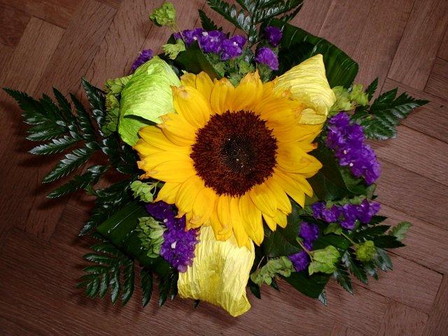 5.8.2005 - To je květina, kterou jsem dostala k žádosti o ruku