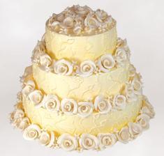 náš dort - ale bude bílý a růže červené