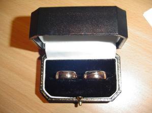 Naše prstýnky. Vyrobeny podle našich představ naší kamarádkou
