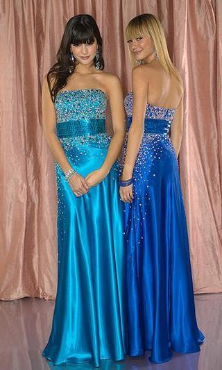 Náš krásny deň 08.05.2010 - tieto šaty sa mi strašne páčia.....