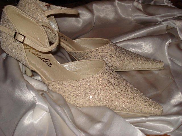 07.07.07 o 17.00 - ...tieto budú svadobné.