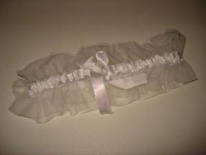 Niečo má byť darované...darček od kamarátky. :-))