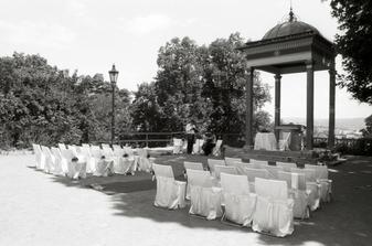 Skvostné TRIO doprovázelo hudbou celý svatební obřad