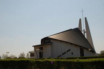kostolik Horke nad Vahom