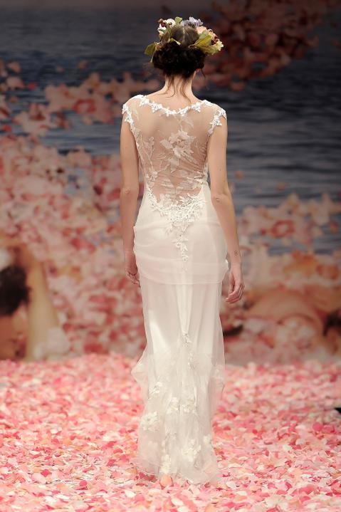 Svatební šaty od Claire Pettibone - Obrázek č. 7