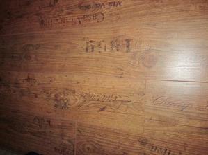 detail plovoucí podlahy