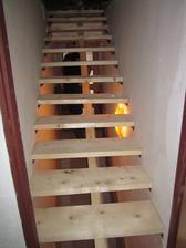 schody na půdu spatřily světlo světa :)