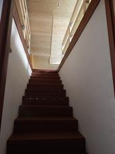 Vymalované a hotové schody na půdu