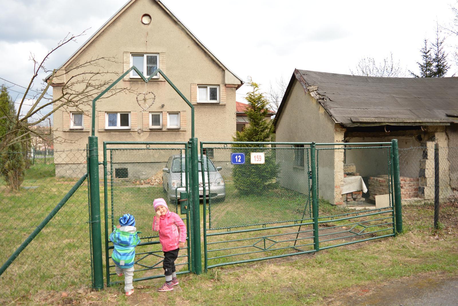 Náš nový domov ... - Brána oživena ... miluju, když se starým věcem vrací život ...