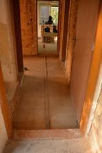 Podlahy už čekají na topenáře ..