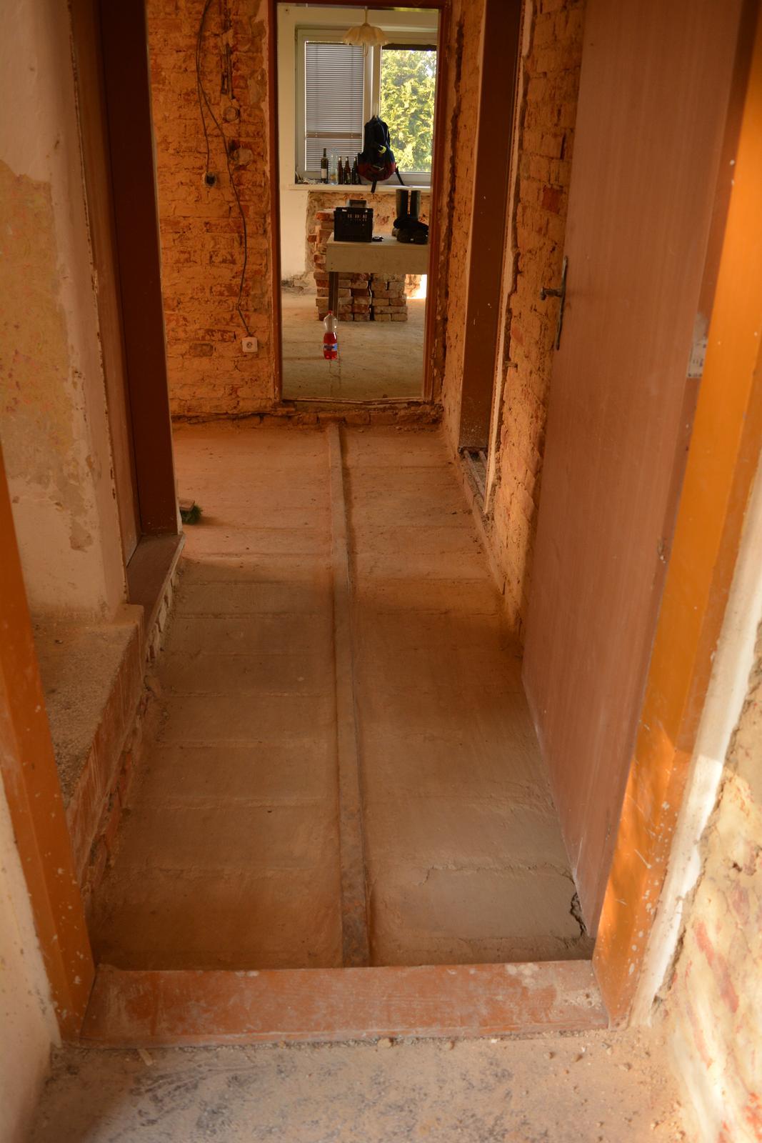 Náš nový domov ... - Podlahy už čekají na topenáře ..