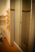 Sprcháček v horní koupelně ...
