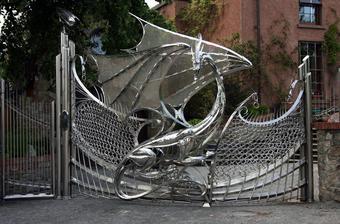Tomuto ja vravím brána!