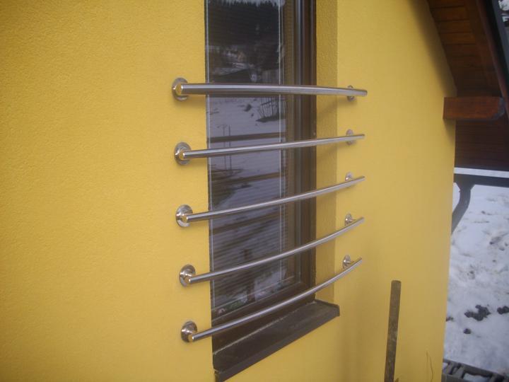 Inšpirácie - antikorové zábradlia - vypuklé francúzske okno