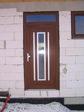 Naše vchodové dvere-Gava