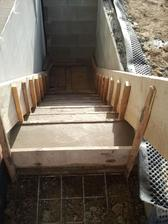 schody do pinvičky hotové...