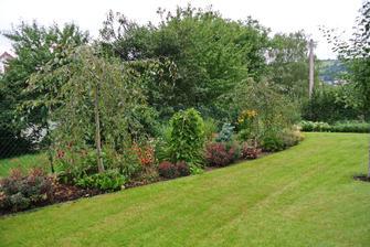 Moje práce, zahrada po dvou letech :-)