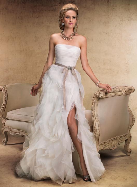 Šaty...kapitola sama o sebe, však dámy... :D - Tieto budú moje, láska na prvý pohľad :) (resp. urobím pre to všetko!)
