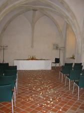 Tady je klenotnice vyzdobena pri svatbe jine nevesty. Nasi vyzdobu jeste doladime s aranzerkou.