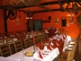 Interier restaurace - krasny selsky styl - ale stoly necham vyzdobit podle sveho!