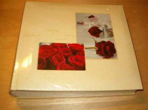 "Nahodou jsem sehnala fotoalbum na svatebni fotky ""v barve"" svatby..."