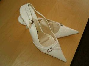 Nevestiny boty, snad v nich vydrzim cely den