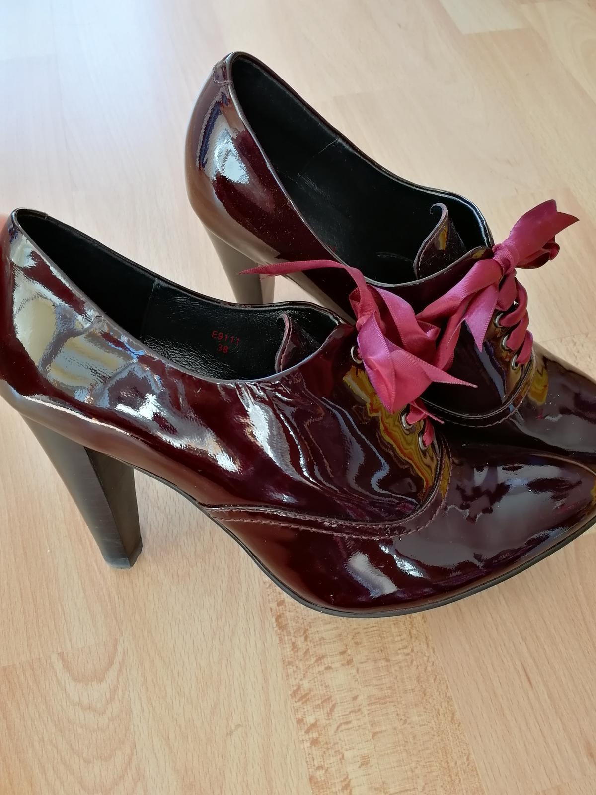 Úžasné lakované boty - Obrázek č. 1