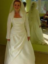 Super bolerko, dufam, ze na svadbu nebude 35 stupnov, ako ked som ho skusala:-)))