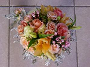 """Aj tuto robila """"moja kvetinarka"""":-))) uz sa tesim, co vytvori mne:-)"""