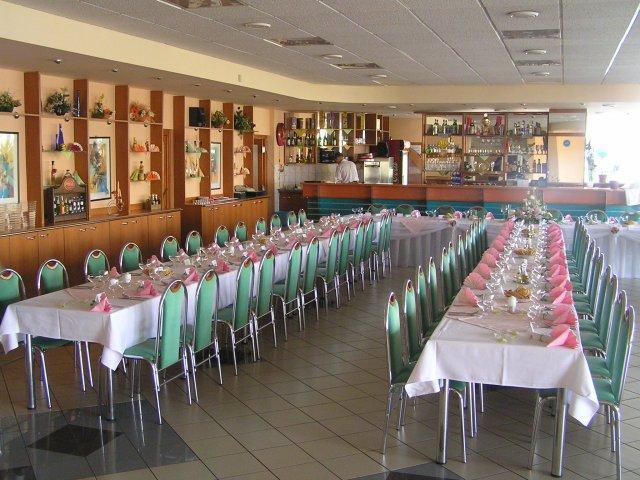 Jana a Martin - pokracovanie - Restauracia...