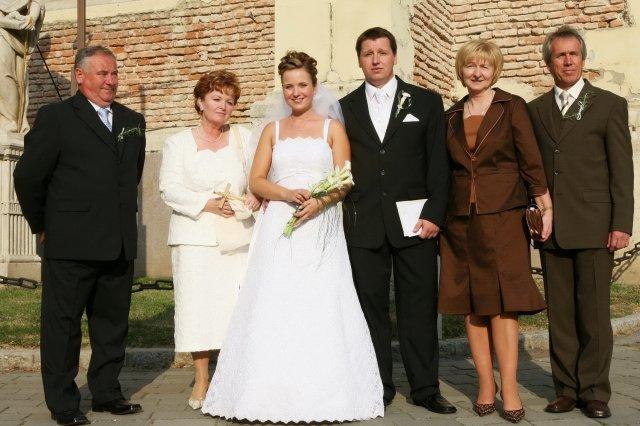 Jana Brezníková{{_AND_}}Martin Martinus - Spokojní svadobní rodičia, žeby preto, že sa nás konečne zbavili?;-)